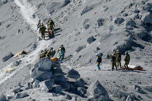 Στους 36 οι νεκροί από την έκρηξη του ηφαιστείου Οντάκε