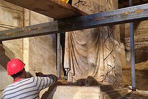 Νέες φωτογραφίες από το εσωτερικό του ταφικού μνημείου στην Αμφίπολη