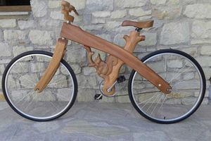 Το πρώτο ξύλινο ποδήλατο κυκλοφορεί στα Τρίκαλα
