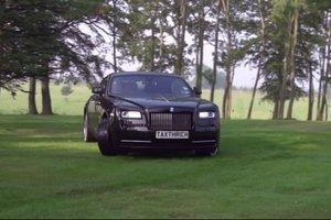«Παντηλίκια» με μια... Rolls Royce