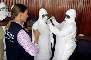 Στη Νορβηγία μεταφέρθηκε η εργαζόμενη των ΓΧΣ που προσβλήθηκε από τον Έμπολα