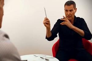 Μπορεί ο Γιούρι Γκέλερ να λυγίσει το iPhone 6;