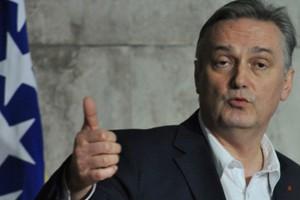 «Ψευδείς οι ισχυρισμοί του εκπροσώπου της Ε.Ε. περί υπεξαίρεσης από τη Βοσνία»