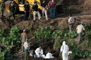Τουλάχιστον 21 πτώματα έχουν ανασυρθεί απο τον ομαδικό τάφο στο Μεξικό