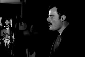 Ο τραγουδιστής που είναι μετενσάρκωση των Παβαρότι και Μέρκιουρι