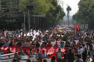 Χιλιάδες Μεξικανοί στους δρόμους για τους 43 εξαφανισμένους φοιτητές