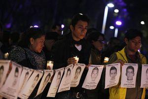 Η άγνοια εξοργίζει τους γονείς των 43 φοιτητών στο Μεξικό