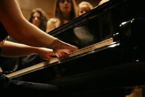Γιατί πρέπει ένα παιδί να κάνει μαθήματα μουσικής