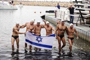 Κολυμπώντας από την Κύπρο μέχρι… το Ισραήλ!