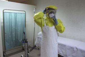 Ο ιός Έμπολα μπορεί να ζει στο σπέρμα των ασθενών