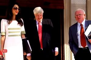 Η επίσκεψη Αλαμουντίν προκάλεσε… χαμό στα διεθνή ΜΜΕ