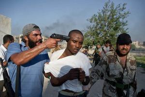 «Οι πολιτοφύλακες διαπράττουν εγκλήματα»