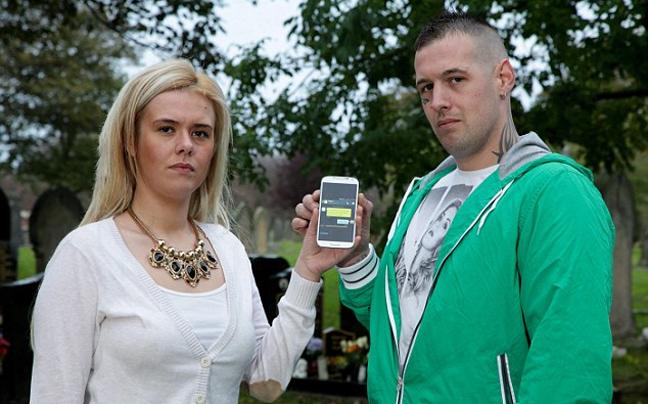 Επαθε σοκ:Την έθαψαν μαζί με το κινητό της! Δείτε τι έγινε τρία χρόνια μετά.