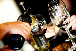 Τα καλύτερα wine bars στην Αθήνα