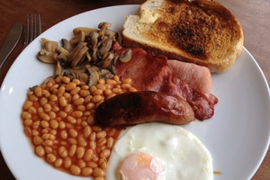 Ξεκινήστε την ημέρα σας με ένα πλούσιο πρωινό