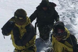 Διάσωση τουλάχιστον 133 ανθρώπων από τη χιονοθύελλα στα Ιμαλάϊα