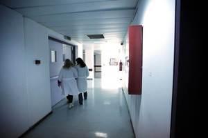 Στο ψυχιατρείο η σύζυγος του νεκρού καθηγητή στα Τρίκαλα