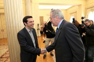 «Όχι» στον Αβραμόπουλο λένε δύο βουλευτές του ΣΥΡΙΖΑ