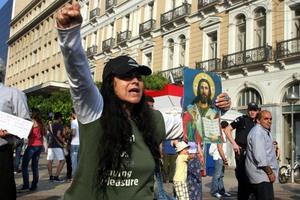 «Αυτοεξορίζεται» η Ελένη Λουκά τα ξημερώματα της 28ης Οκτωβρίου