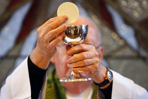 Το 2% των ιερέων δεν πιστεύει στο Θεό!