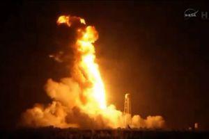 Αναζητούν τα αίτια της έκρηξης του πυραύλου στη NASA