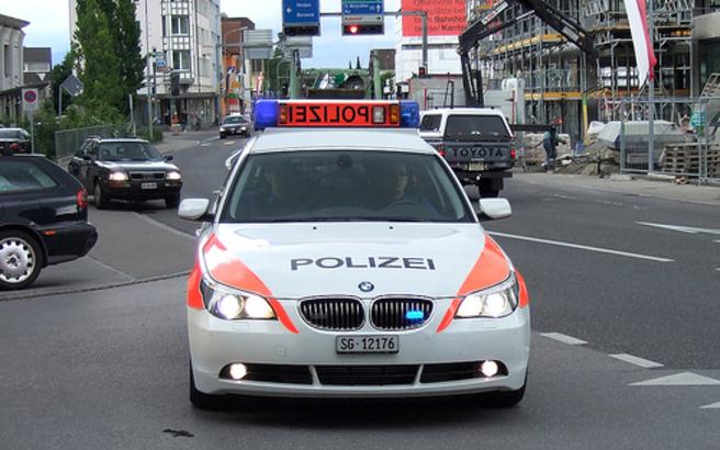 Έπεισαν γυναίκα πως θέλουν να την προστατεύσουν από κλέφτες και της άρπαξαν 3,25 εκατ. ευρώ