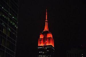 Το Empire State Building «βάφτηκε» κόκκινο
