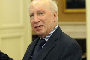 Αναβάλλεται η συνάντηση Νίμιτς με Ελλάδα-ΠΓΔΜ για το θέμα του ονόματος
