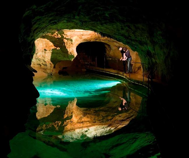 Σπηλιές Jenolan