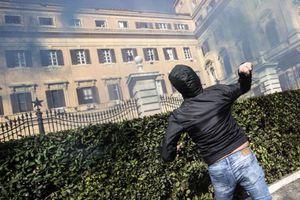 Μαζικές διαδηλώσεις για τις εργασιακές σχέσεις στην Ιταλία