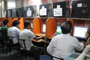 Δύο εκατομμύρια αιτήσεις για 368 θέσεις εργασίας στην Ινδία