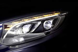 Νέα γενιά φώτων LED από τη Mercedes