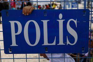 Βρέθηκαν 640 κιλά εκρηκτικών σε νεκροταφείο στην Τουρκία