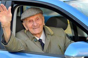 Κρίθηκε ικανός για οδήγηση στα 101 του χρόνια