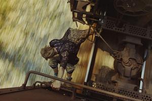 Οι «αλήτες» που σκαρφαλώνουν σε τρένα εν κινήσει
