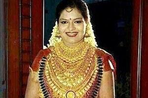 Νύφη φόρεσε κοσμήματα αξίας μισού εκατομμυρίου