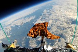 Ένα αρνίσιο παϊδάκι στο διάστημα!