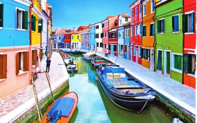 Τα πιο εντυπωσιακά πολύχρωμα κτίρια του κόσμου