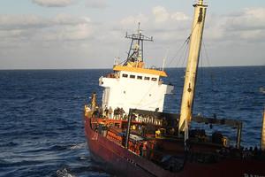 Έρευνες σε φορτηγό πλοίο για ύποπτο περιεχόμενο
