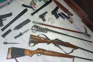 Πολεμικός οπλισμός σε σπίτια στα Χανιά