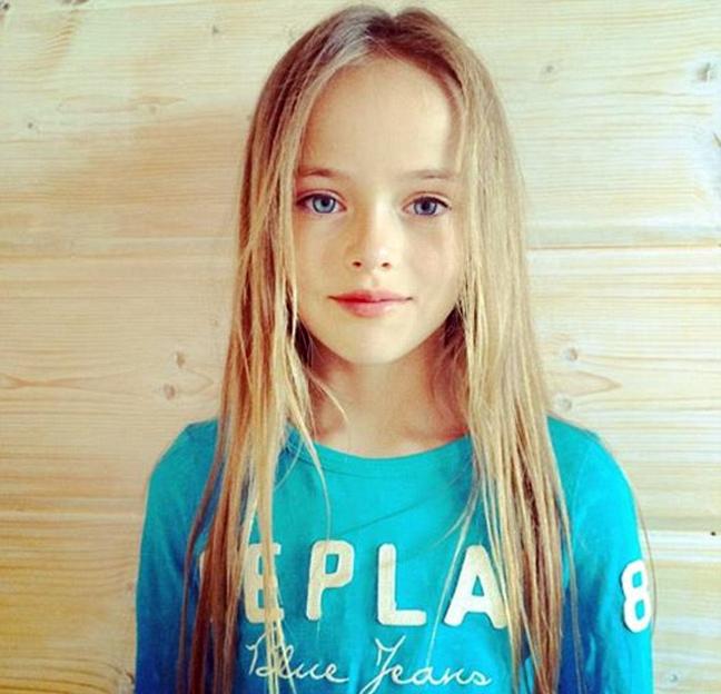 380296eed90 Το κορίτσι με τα γαλάζια μάτια, τα μακριά ξανθά μαλλιά και το αγγελικό  πρόσωπο είναι αδιαμφισβήτητα όμορφο. Η μητέρα της Glikeriya Shirokova έχει  αναλάβει ...