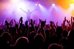 «Λαβράκι» έβγαλε η ΓΓΔΕ σε συναυλία γνωστού καλλιτέχνη στο Αιτωλικό