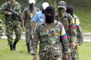 Απελευθέρωσαν στρατηγό και άλλους δύο ομήρους οι αντάρτες των FARC
