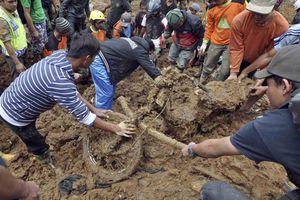 Στους 24 οι νεκροί από την κατολίσθηση στην Ινδονησία