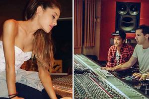 Διάσημοι σταρ στο στούντιο ηχογραφήσεων