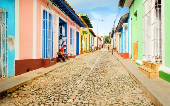 Μια πολύχρωμη ωδή στην Κούβα πριν αλλάξει