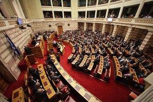 Χρυσή Αυγή, ΑΝΕΛ και ΠΑΣΟΚ υπέρ του νομοσχεδίου για την ανθρωπιστική κρίση