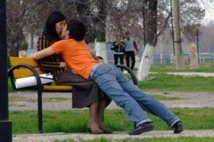 Φιλιά κάθε τύπου...