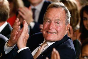 Στο νοσοκομείο παραμένει ο Τζορτζ Μπους ο πρεσβύτερος