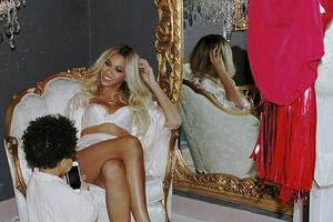 Η σέξι φωτογράφιση της Beyonce με εσώρουχα